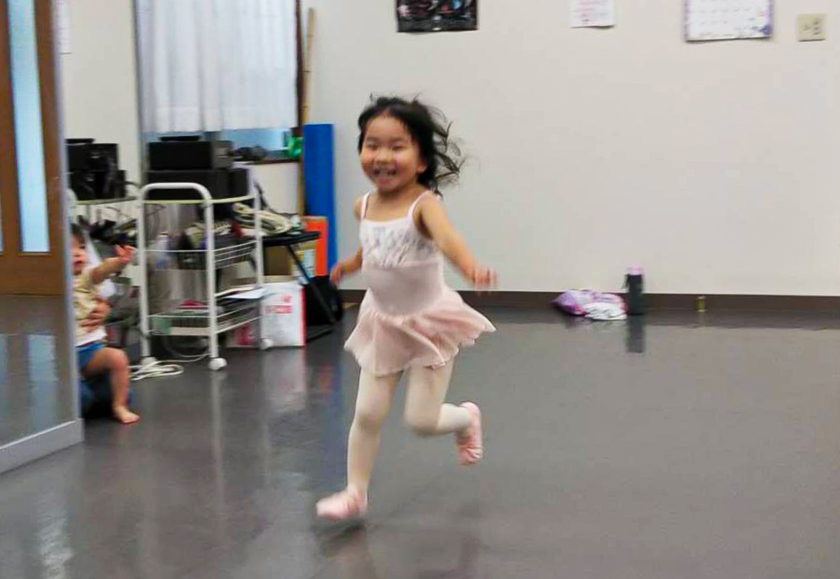 幼児クラス|舞台からの経験を大切にする奈良県橿原市のマミバレエスタジオ