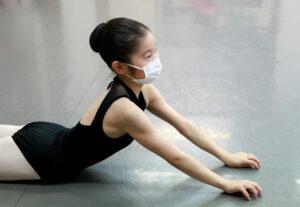 コンテンポラリーレッスン風景 マミバレエスタジオ 舞台からの経験を大切にする奈良県橿原市のバレエスタジオ