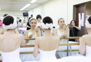 発表会楽屋 メイク 舞台からの経験を大切にする奈良県橿原市のマミバレエスタジオ